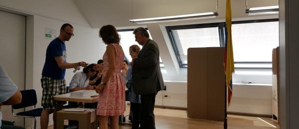 Con total normalidad, en Viena se cerraron las elecciones presidenciales 2018